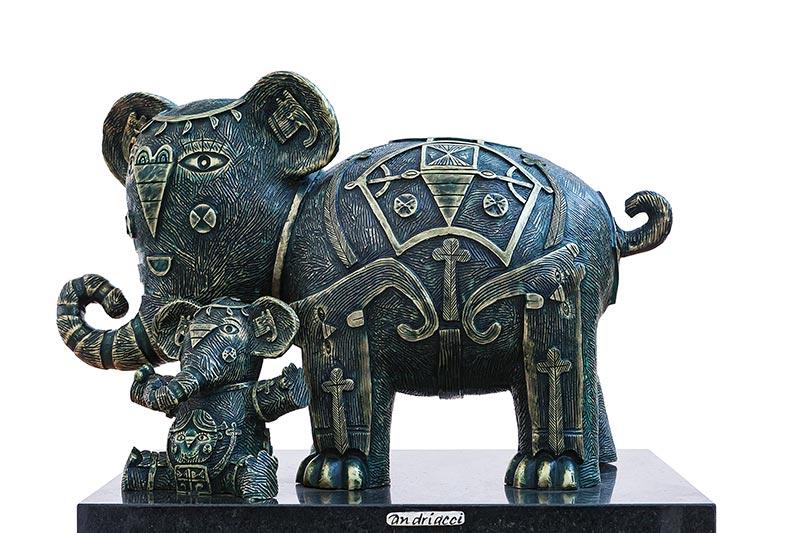 Mamá elefante 2016