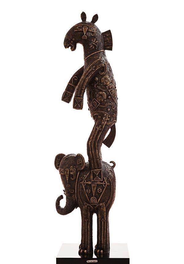 Elefante con caballo 2017