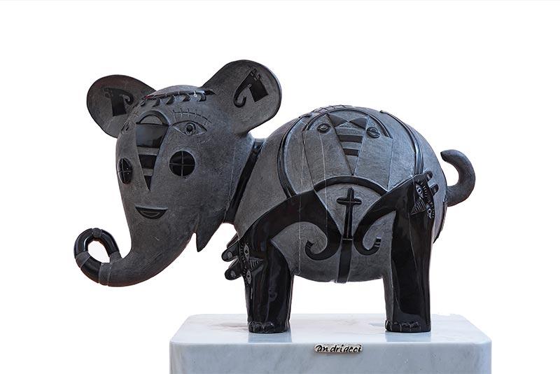 Elefante elegante  2016
